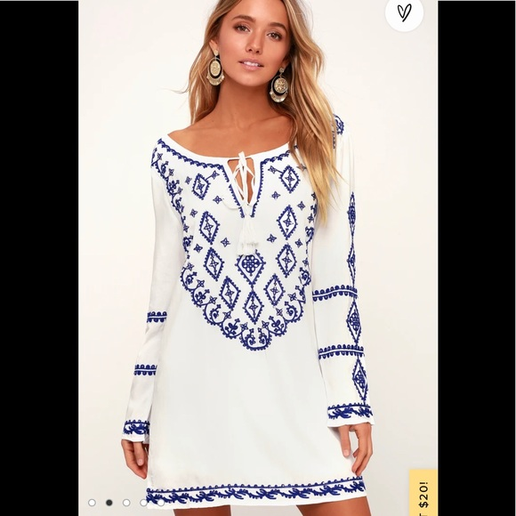 NWT Lulu's embroidered dress
